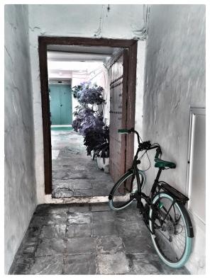 Tarifa Bike Door